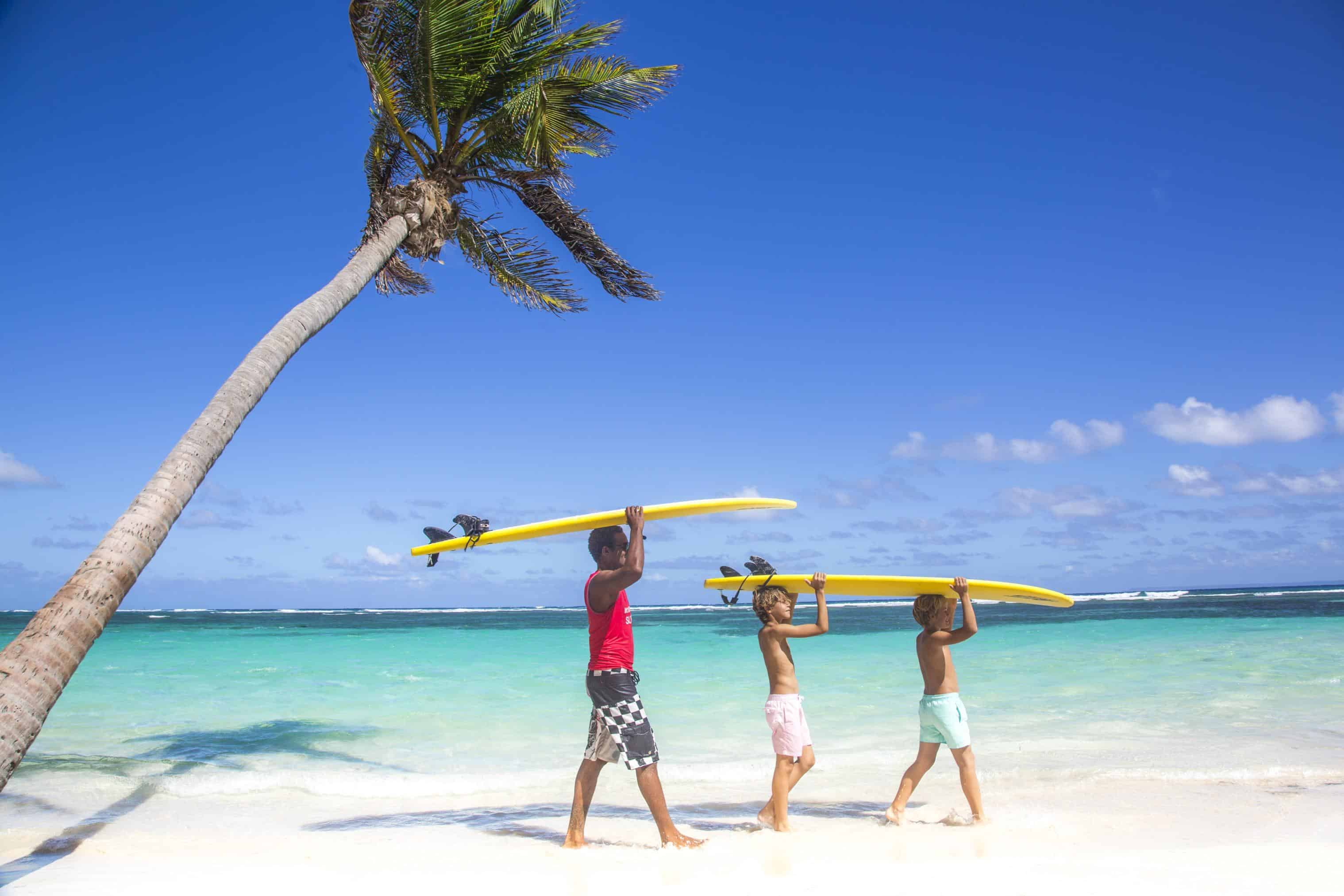 clubmed-surfers-pic
